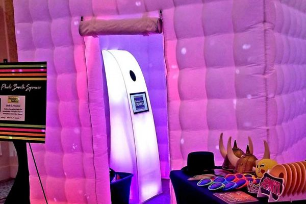 Glow-Booth-Pink